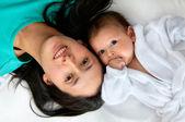 Moeder en haar baby — Stockfoto