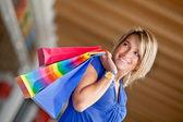 美しいショッピング女性 — ストック写真