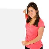 Flicka som håller en banderoll — Stockfoto