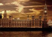 Houses of parliament - big ben — Stock Photo
