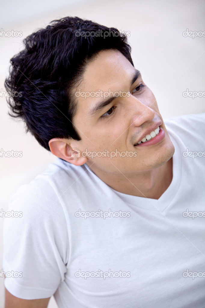 Casual portrait of a  happy man smiling — Stock Photo #7743262