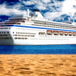 Cruise liner by the beach — ストック写真