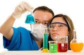 Iki genç kimya öğrencileri — Stok fotoğraf
