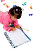 Kız ödevini yapıyor — Stok fotoğraf