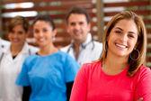 Paziente con medici — Foto Stock