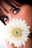 Smell of a daisy — Stock Photo
