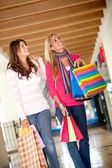 Donne dello shopping — Foto Stock