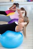 Spor salonunda pilates sınıfı — Stok fotoğraf