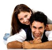 Unga älskande par — Stockfoto