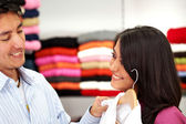 Couple out shopping — Stock Photo