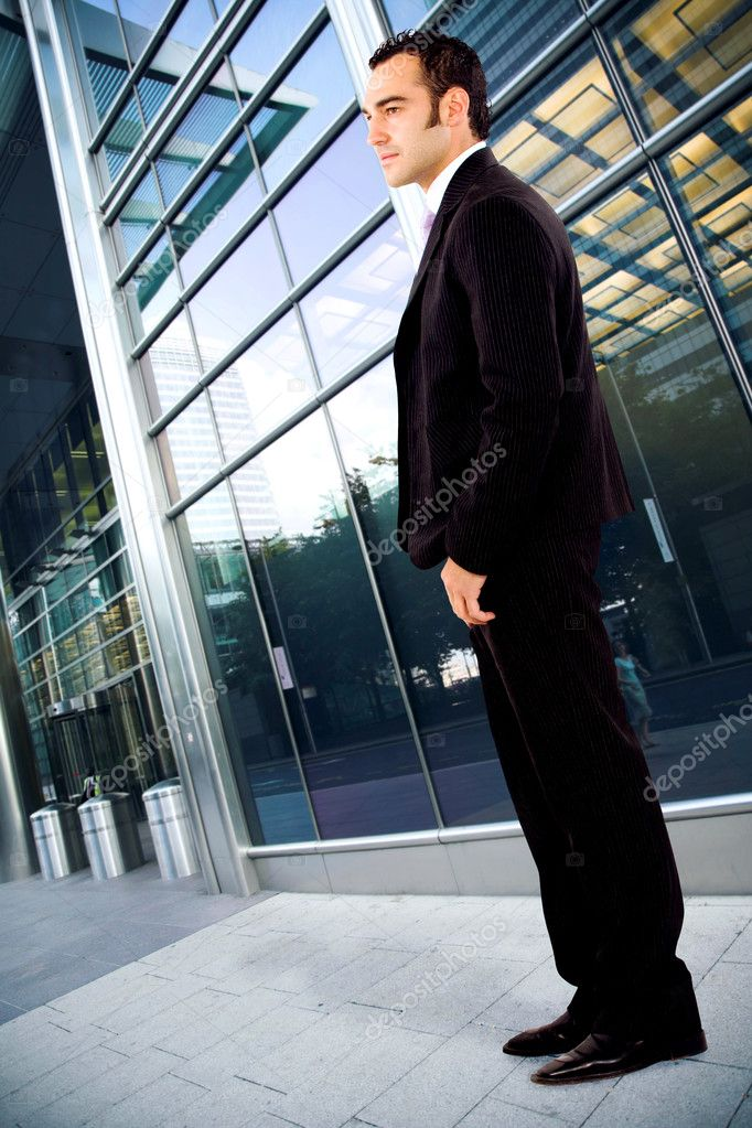 Confident business man portrait outdoors in an office environment — Stock Photo #7773960