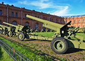 "Artillery antitank guns installed in the museum ""Artillery"" of t — Stock Photo"