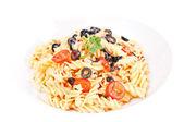 Olio aglio pasta en un plato de pasta blanca — Foto de Stock