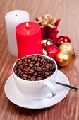 Christmas cup of coffee beans — Stock Photo