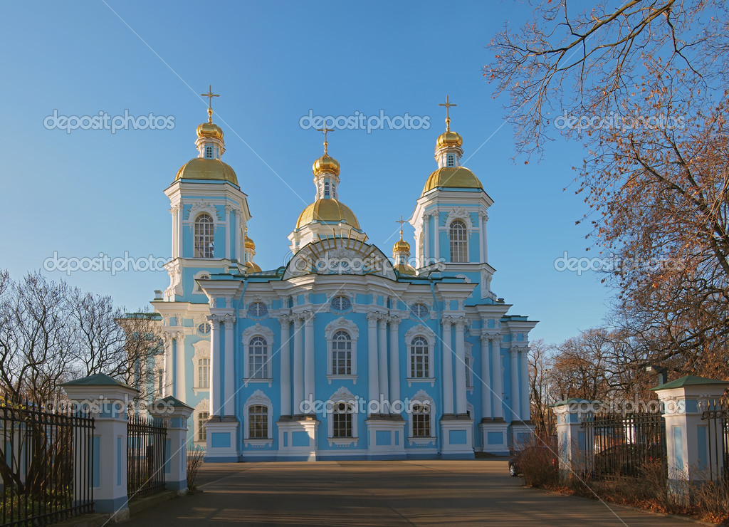 The St. Nicholas Naval Cathedral in St. Petersburg. Panorama — Stock Photo #7636129