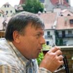 Männer trinken Bier — Stockfoto