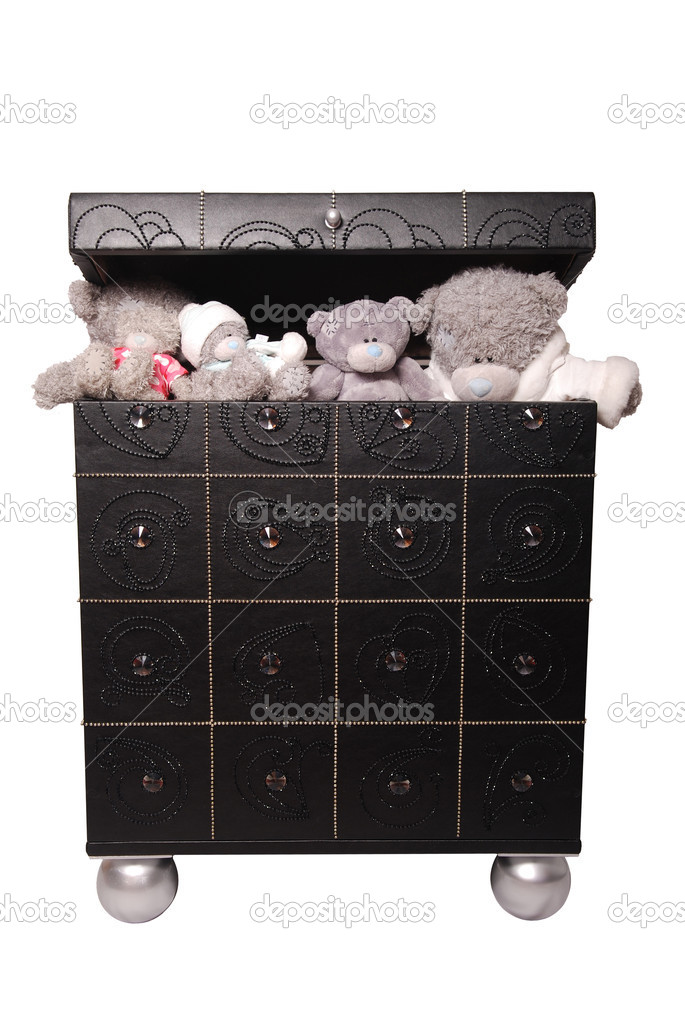 Toy bears in a chest isolated on white background — Stock Photo #7629384