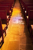 Aisle between pews — Foto Stock
