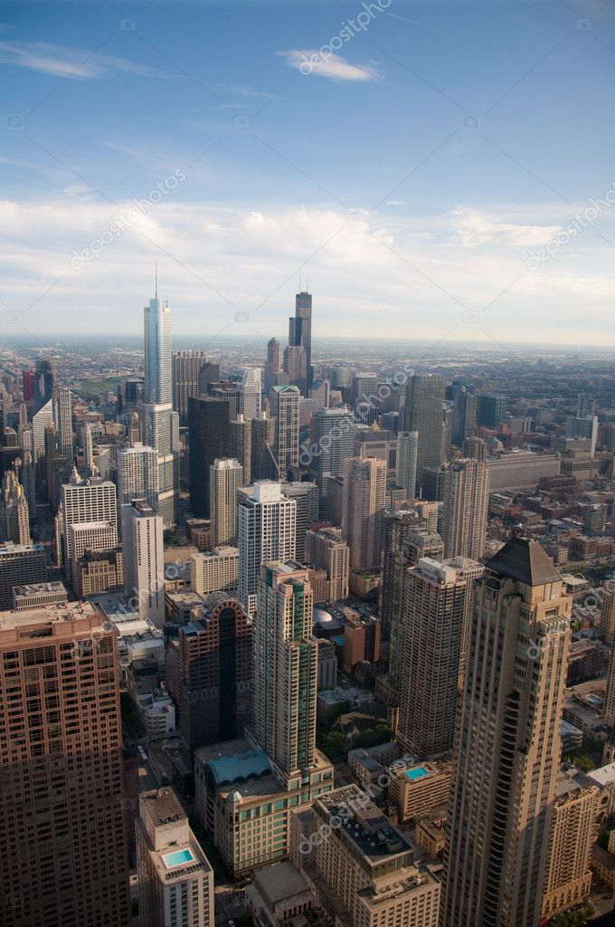 Downtown Chicago buildings viewed from above during sundown — Stock Photo #7873058