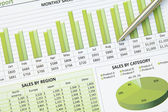 Green Business Financial Chart Graph — Stock Photo