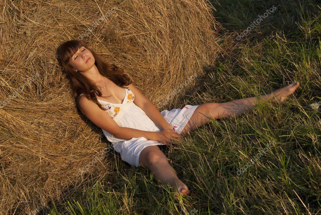 Голые деревенские бабы на скотнике фото любительское 45