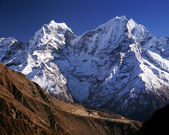 Thamserku, гималаи, непал — Стоковое фото