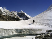 Crossing a glacier atop — Stockfoto
