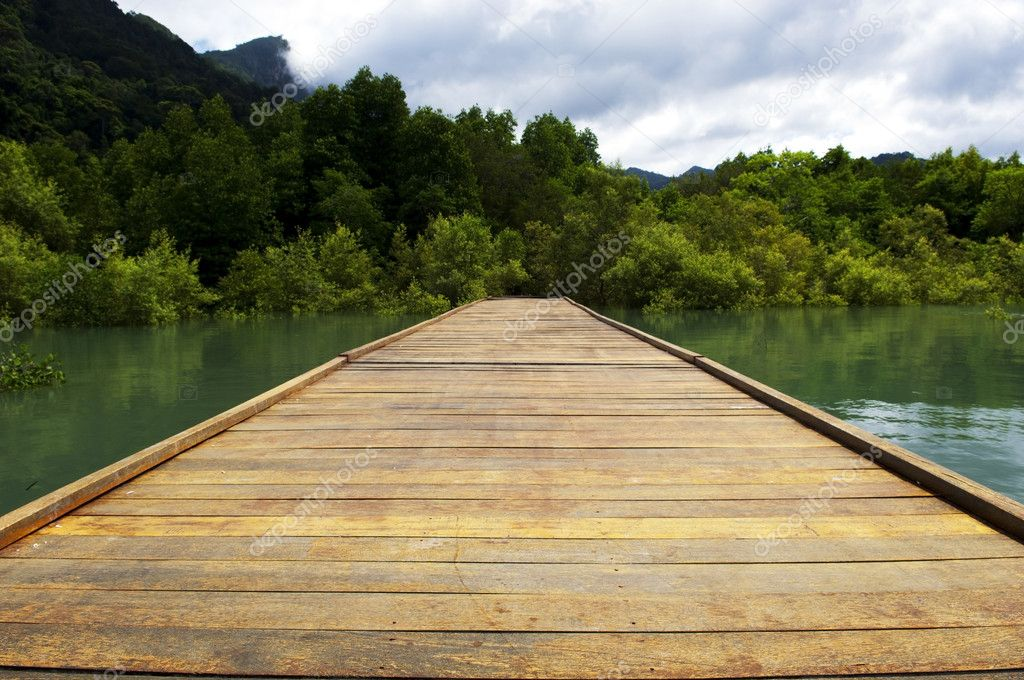 无休止的木板路