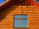 Window under Rood — Stock Photo