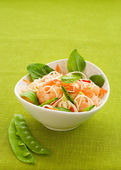 Prawn noodle salad — Stock Photo