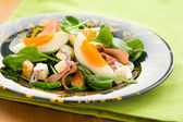 Spring salad with spinach,egg,ham and feta — Stock Photo