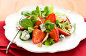 Strawberry gorgonzola salad — Stock Photo