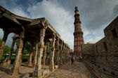 One of most popular tourist places in New Delhi, Qutab Minar — Stock Photo