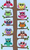 Lot of owls sitting in a tree — Stockvektor