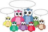A group of owls with speech bubbles — Stock Vector