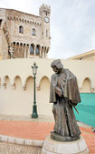 Statue of a Monk at the Monte Carlo Palace in Monaco — Stock Photo