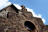 Cross på gamla kyrka — Stockfoto