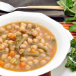 Guiso de garbanzos con verdura — Stock Photo #7780164