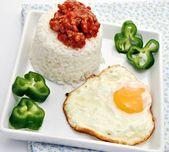 Arroz blanco con huevo frito — Stock Photo