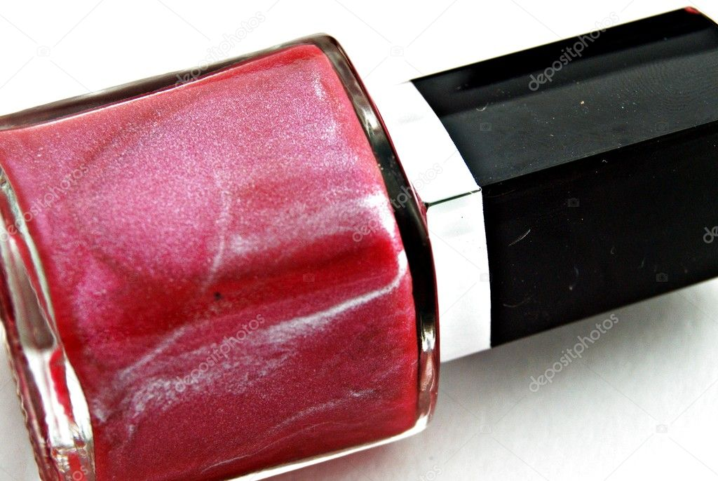 Esmalte de uñas de color rojo — Stock Photo #7792237
