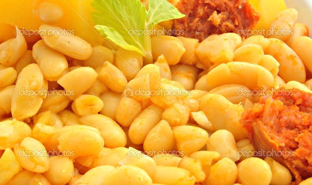 Potaje de judias con chorizo — Stock Photo #7795121