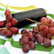 Uvas y botellde vino — Stock Photo #7801999