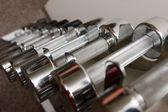 Barras de hierro en el gimnasio — Foto de Stock