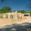 Exterior of a Modern Adobe Santa Fe, New Mexico Home — Stock Photo