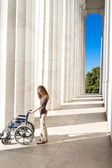 Woman Lincoln Memorial Columns Empty Wheelchair DC — Stock Photo