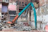 Demolition Equipment Knocking Down Building Collecting Scrap Met — Stockfoto