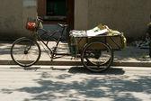 Trzech rowerów kołowych trike koszyka transport chiny — Zdjęcie stockowe