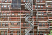 Scaffolding Old Brick Building Under Renovation — 图库照片