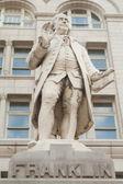Estátua ben franklin velho correios edifício washington dc — Fotografia Stock