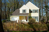 XXXL Single Family Home with Picket Fence in Suburban Maryland — Stock Photo